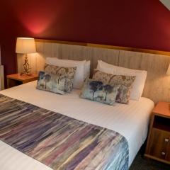 Lodge-10-Double-bedroom-3