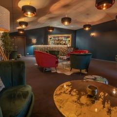 LLWF-Bar-and-lounge